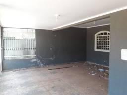 Vende Casa 03 quartos na 802 Recanto das Emas