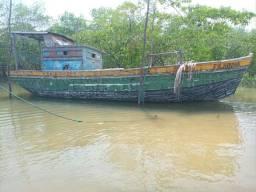 Barco comprimento total. 9;50 motor boca 2.70 motor yamar potencia de 33cv