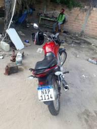 Vendo moto Titan 160 em dia apto para transferir