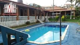 Linda chácara com 04 dormitórios, pomar, ótimo bairro, à venda em Pinhalzinho/SP