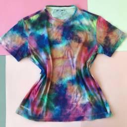 T-Shirt / Camisa Colorida Seminova   Brechó   Boa Viagem