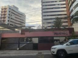 Alugo Amplo Apartamento 3/4 ( 2 suítes) 130m2 | no bairro da Pituba.