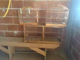 Vende-se 3 gaiolas para passarinhos