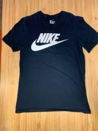DESAPEGO: Camisetas Nike em Perfeito Estado