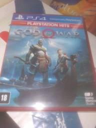 Título do anúncio: God of war PS4 TROCO/VENDO