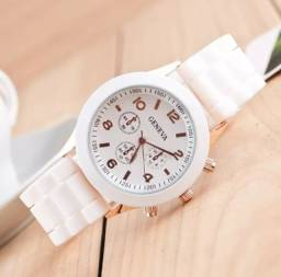 Título do anúncio: Relógio feminino branco