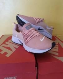 Título do anúncio: Vendo Tênis Nike Air Presto ( 120 com entrega)
