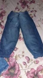 Título do anúncio: Vendo vêst até 5 anos e 9 anos calça jeans 50 reais todas
