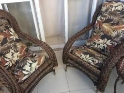 Imperdível Conjunto de cadeiras e mesa para