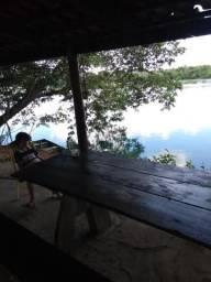Rancho as margens do rio são