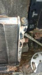 Radiador do scania 113 com o defletor de ar