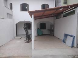 Alugo Casa duplex 4 ( 200m²)quartos em Araçás