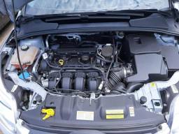 Focus Sedan SE PLUS baixo km - 2015