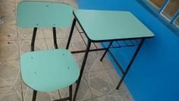 Título do anúncio: Mesas e Cadeiras Escolares Usados em Alvorada
