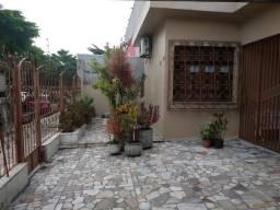 Casa em excelente área comercial Jardim Vitória