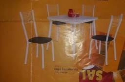 Mesa c 5 cadeiras NOVO
