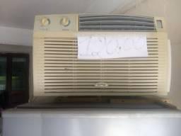 Vendo um ar-condicionado por 80 reais
