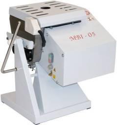 Amassadeira Semi-Rápida 5 kg * Arnildo