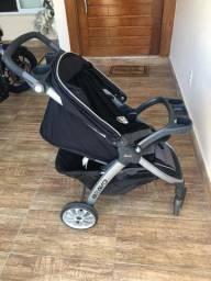 Carrinho de bebê 800,00