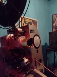Projetor de cinema / Lente Anamorfica Cinemascope
