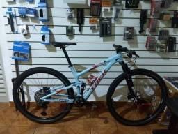 Mountain Bike Full Trek Carbono