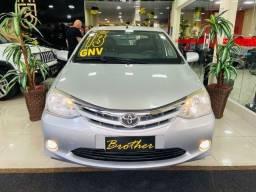 Título do anúncio: Toyota Etios SD 1.5 XLS Mt 2013 com GNV **Melhor Custo Benefício**