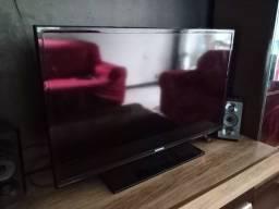 Tv. Samsung 32 polegadas, semi nova.