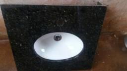 Título do anúncio: Porta e lavatório