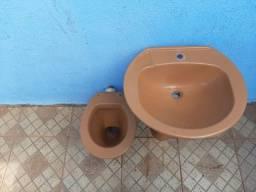 Vazo sanitário e pia de banheiro 100 reais