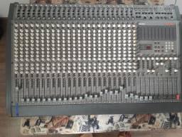 Excelente mesa de som tascam usada M2524