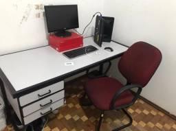Título do anúncio: Cadeira, mesa de estudo escrivaninha.