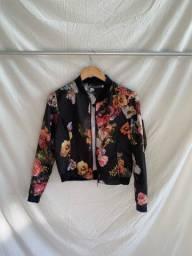 Título do anúncio: Jaqueta floral