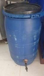 Título do anúncio: botija de agua com torneira 135 litros