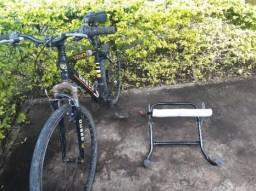 Bicicleta Vernon acompanha uma transbike