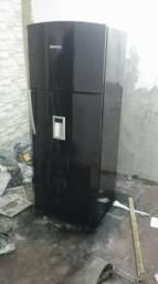 Pintura de freezer geladeira fogão o serviço será feito na sua residência.