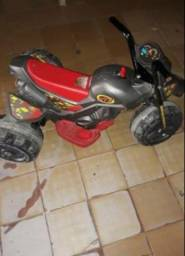 Moto elétrica infantil usada