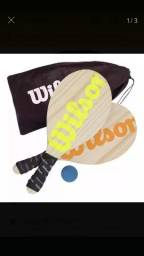 Kit Frescobol Wilson 2 Raquetes + 1 Bola + Sacola de Transporte