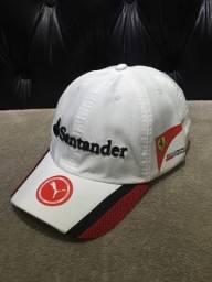 4bccec42ce786 Boné Ferrari Santander Branco Novo