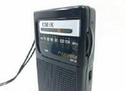 Rádio portátil AM/FM à pilha. Novo