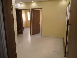 Apartamento disponível na Max Teixeira c/ 2 quartos