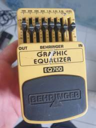 Equalizador Behringer EQ700