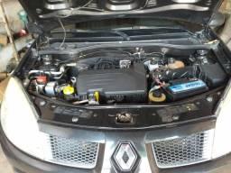 Vendo ou troco um carro Renault 1.0 pelo carro de carroceria - 2010