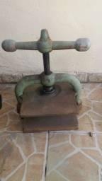 Prensa antiga de papelaria