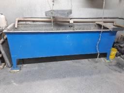 Tanque com resistência para lavagem de peças