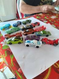 Carrinhos HotWheels brinquedos infantis