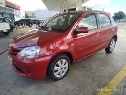 Toyota Etios 1.5 2013 completo