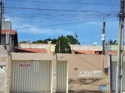 Casa com 200m² área construída, localizada no José de Alencar com 3 Quartos