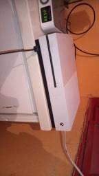 Xbox one s na caixa
