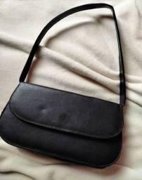 Título do anúncio: Bolsa baguette preta