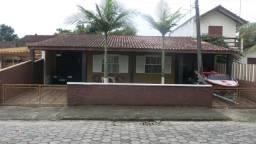 Casa na Praia de  Itapoá/SC com piscina
